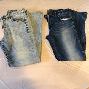 2 Pair American Eagle Outfitters Jeans - Used